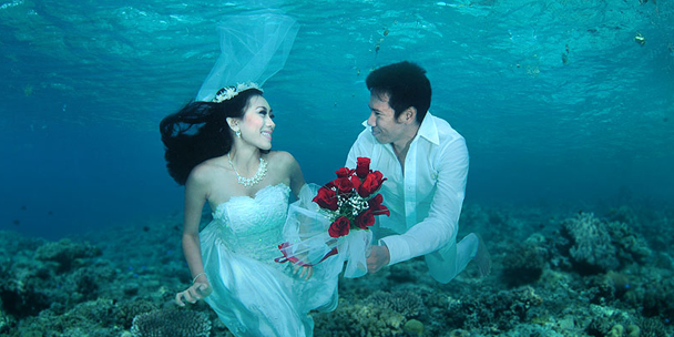f-underwater-wedding